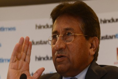 پرویز مشرف نے آصف زرداری کو بے نظیر بھٹو کے قتل کا بتایا ذمہ دار، فوری گرفتاری کا مطالبہ