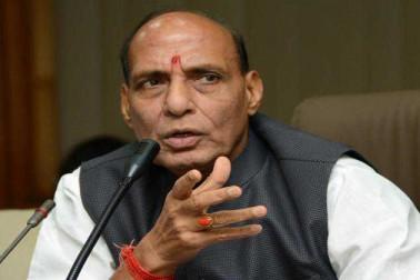 کشمیرمیں کسی سے بھی بات چیت میں پیچھے نہیں ہٹے گی ہماری حکومت: راجناتھ سنگھ