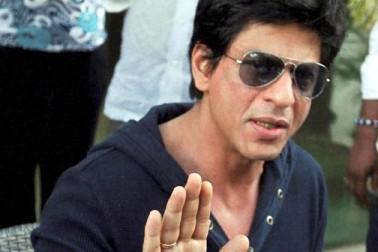 پاکستان کو شاہ رخ خان نے دی 45 کروڑ کی مدد؟ جانیں وائرل ویڈیو کی حقیقت
