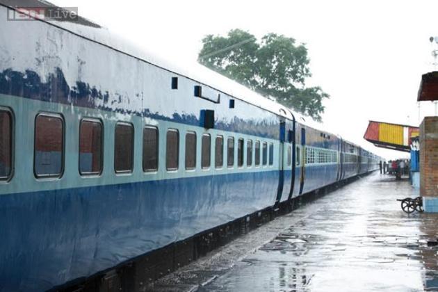 ریلوے کی طرف سے تمام زون کو اختیار دیئے گئے تھے کہ وہ اپنے اپنے زون میں ٹرینوں میں ضرورت کے مطابق اس اصول کے تحت اسٹیشن کی شناخت کر کے ان کے لئے کم از کم فاصلہ کے ٹکٹ دینے پر روک لگا سکتے ہیں۔