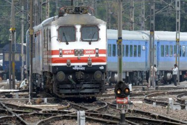 انہوں نے کہا کہ ریلوے نے دیگر شعبوں میں بھی نقل و حمل بڑھانے کے لئے کئی اقدامات کئے ہیں جن سے تمام چیلنجوں کے باوجود حالیہ کچھ مہینوں میں آمدنی میں اضافہ ہوا ہے۔