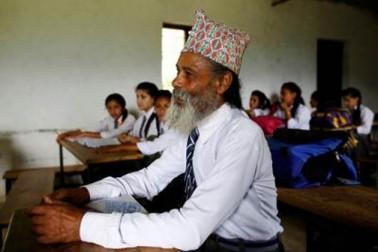 انہیں کبھی بھی اسکول جانے کا موقع نہیں ملا۔ وہ اپنی زندگی اسی افسوس کے ساتھ جیتے رہے ، لیکن ایک دن انہوں نے اس افسوس کے ازالہ کا فیصلہ کرلیا۔