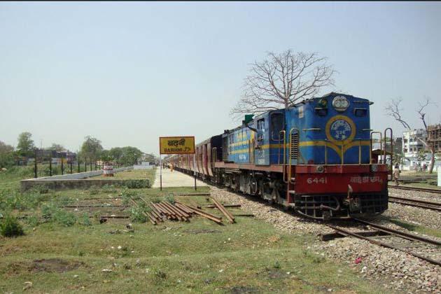 ریلوے نے یہ بھی دیکھا ہے کہ کچھ راستوں پر وولوو گاڑیوں کا کرایہ شتابدی ایکسپریس کے کرایہ سے کم ہے۔