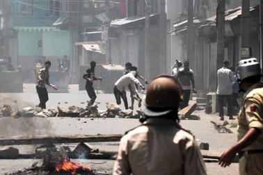جموں و کشمیر: پلوامہ انکاونٹر میں موسٹ وانٹیڈ ظہور ٹھوکر سمیت 3 حزب المجاہدین کے دہشت گرد ہلاک