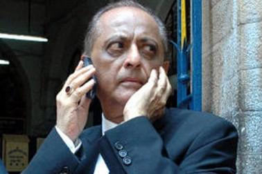 این سی پی لیڈر مجید میمن نے کہا کہ وزیر اعلی کی کرسی پر بیٹھ کر یوگی مذہب کی تشہیر نہیں کر سکتے۔