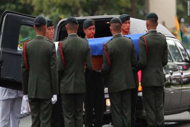 فلپائن کے سابق صدر کی انتقال کے 27 سال بعد تدفین