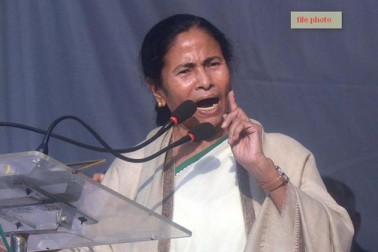 بی جے پی صرف مسلمانوں اور عیسائیوں کے خلاف ہی نہیں لڑرہی، بلکہ ہندوؤں پر بھی حملہ کررہی ہے :ممتا