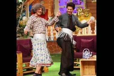 ڈاکٹر گلاٹی کے ساتھ شاہ رخ نے جم کر رقص کیا۔