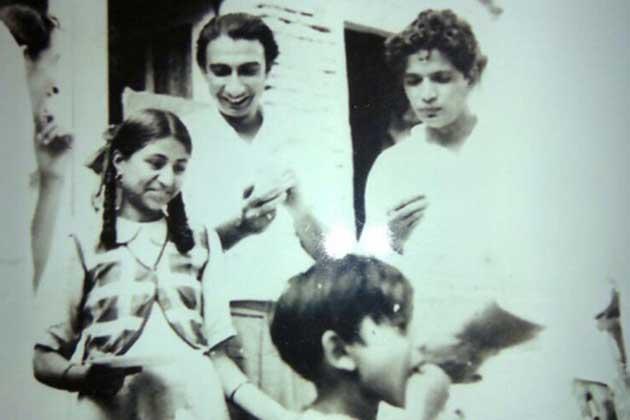 اس درمیان مشاعروں میں کیفی اعظمی کی شرکت جاری رہی۔ سال 1947 میں ایک مشاعرے میں شرکت کے لیے وہ حیدرآباد پہنچے جہاں ان کی ملاقات شوکت اعظمی سے ہوئی اور ان کی یہ ملاقات جلد ہی شادی میں تبدیل ہو گئی۔ آزادی کے بعد ان کے والد اور بھائی پاکستان چلے گئے لیکن کیفی اعظمی نے ہندوستان میں ہی رہنے کا فیصلہ کیا۔