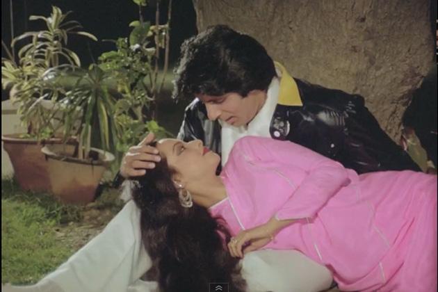 سال 1987 میں آئی فلم' مسٹر انڈیا' کے بعد سلیم جاوید کی سپر ہٹ جوڑی الگ ہو گئی۔ اس کے بعد بھی جاوید اختر نے فلموں کے لئےڈائیلاگ لکھنے کا کام جاری رکھا. ان کو ملے اعزاز ات پر نظر ڈالی جائے توانہیں آٹھ بار فلم فیئر ایوارڈ سے نوازا گیا ہے۔