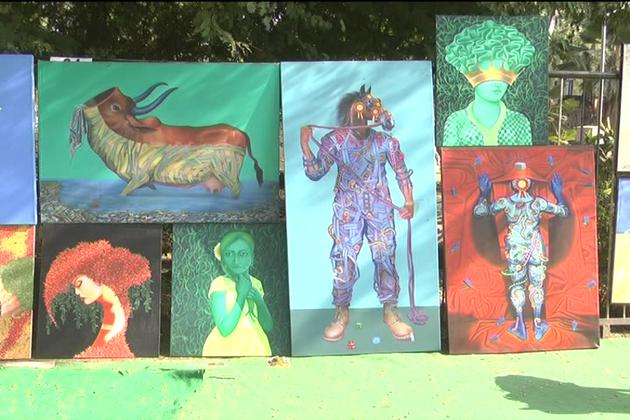فنکار اس عوامی نمائش کو ایک بہترین پلیٹ فارم قرار دے رہے ہیں۔ وہیں خریدار بھی خوش ہیں ۔