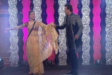 ایک ویب سائٹ پر شائع خبر کے مطابق دونوں نے اس شادی کے لئے 50 لاکھ روپے کی فیس لی ہے۔