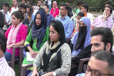 دہلی میٹرو کارپوریشن میں بھی اقلیتوں کی نمائندگی کم ہونے سے مسلم دانشور بھی حیران ہیں اور وہ مانتے ہیں کہ اکثریتی برادری کو اس صورتحال سے واقف کرایا جانا چاہیے۔