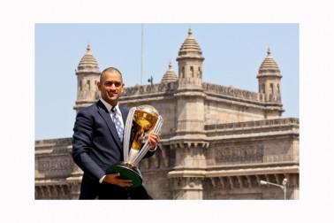 سال 2011 کا کرکٹ ورلڈ کپ کون بھول سکتا ہے؟ ہندوستانی ٹیم دہائیوں کے بعد ورلڈ کپ پر قبضہ کرنے میں کامیاب ہوئی ۔ دھونی کی قیادت میں ٹیم انڈیا نے دوسرا ورلڈ کپ جیتا ۔ یہ ورلڈ کپ سچن تندولکر کا آخری ورلڈ کپ تھا۔