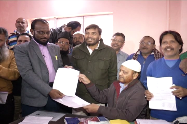 رانچی میں انجمن اسلامیہ کا انتخابات تنازع کا شکار ہو گیا ہے۔ ایک فریق کا الزام ہے کہ موجودہ کمیٹی کے ذریعہ فرضی ووٹر لسٹ پر الیکشن کرانے کی کوشش کی جا رہی ہے ، جبکہ دوسرے فریق نے اس کی شدید الفاظ میں تردید کی ہے۔