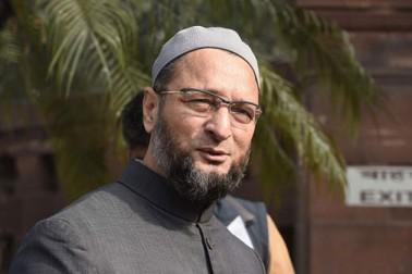 پلوامہ حملہ پر بولے اویسی- پاکستان کے وزیر اعظم اپنے چہرے سے معصومیت کا نقاب اتاریں
