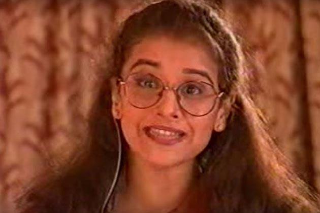 سولہ سال کی عمر میں ودیا نے ایکتا کپور کے ٹیلی ویژن شو 'ہم پانچ میں کام کیا تھا۔ تاہم وہ فلموں میں کیریئر بنانا چاہتی تھیں۔