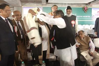 اس موقع پر سابق مرکزی وزیر کے رحمن خان نے جگدیش چندرا کا استقبال کیا۔