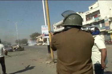 حالت کو قابو میں کرنے کے لئے پورے علاقہ میں پولیس کے جوانوں کو تعینات کر دیا گیا ہے ۔