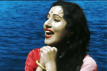 انیس سو سینتالیس میں فلم 'نیل کمل' میں مدھوبالا کو بڑا رول ملا۔ اس کے بعد جس فلم نے مدھو کو شہرت دلائی وہ تھی بمبئی ٹاکیز کی فلم محل۔ مدھوبالا کو اس فلم سے خوب اسٹارڈم ملا۔