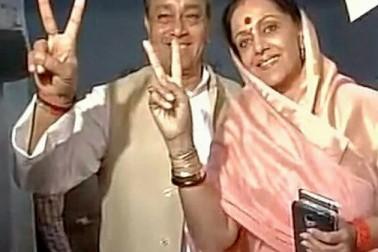 امیٹھی میں سنجے سنگھ کے ساتھ ان کی بیوی اور کانگریس امیدوار امیتا سنگھ نے ووٹ ڈالا۔