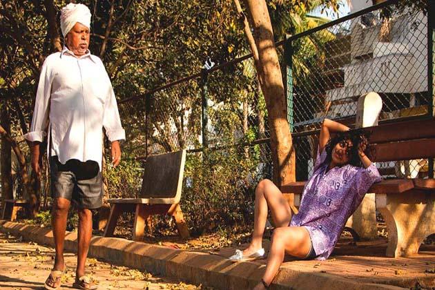 لڑکے اور آدمی کہیں بھی، کسی بھی وقت، کسی بھی لڑکی کو نظروں سے ریپ کر دینے کے لئے موجود رہتے ہیں ۔ آپ كو اگر یہ بات بکواس لگتی ہے تو اس کا پختہ ثبوت ان تصاویر میں ہے، جنہیں بنگلور میں 19 سالہ لڑکی پرینکا شاہ نےجمع کی ہیں۔