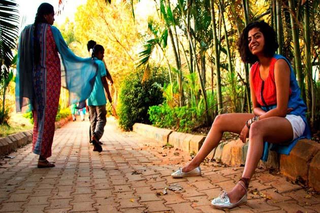 پرینکا شاہ فوٹو گرافر ہیں۔ پرینکا کا کہنا ہے کہ عام طور پر لوگ نہیں مانتے ہیں  کہ لڑکیوں کو ہمیشہ گھورا جاتا ہے۔