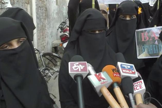 ایک دوسری خاتون شیبا اعجاز نے کہا کہ طارق فتح ہمارے ملک میں نفرت پھیلا رہا ہے۔