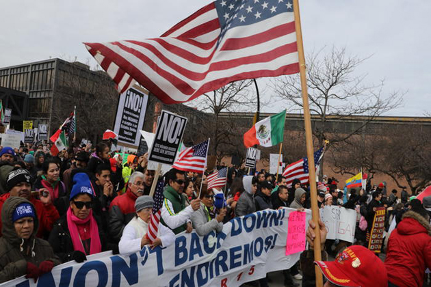 کئی شہروں میں امریکی شہریوں نے ہمدردی میں مارچ نکالے اور جلسے کئے۔ شکاگو اور ڈیٹرانٹ میں ہزاروں لوگ مظاہرین کے ساتھ ہوگئے۔