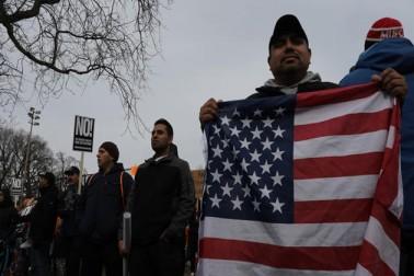 پچھلے ماہ عہدہ سنبھالنے کے بعد سے ریپبلکن صدر نے ایک حکم صادر کرکے سات مسلم ممالک سے آنے والوں اور تمام پناہ گزینوں کا امریکہ میں داخلہ ممنوع کردیا تھا مگر وفاقی عدالتوں نے فی الحال اسے روک دیا ہے۔