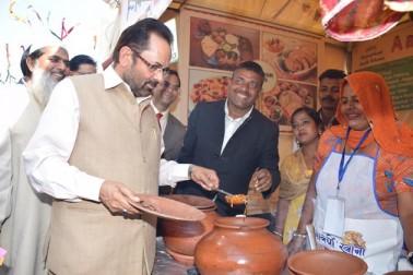 مرکزی وزیر نے کہا کہ ہندوستانی ثقافت، تہذیب وخیرسگالی کی اس شاندار مثالی کی یہاں پر آنے والے ہر شخص نے ستائش کی۔