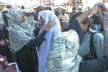 اس موقع پرحجاب پہننے والوں میں نہ صرف مسلم بلکہ دیگر مذاہب کی لڑکیاں بھی شامل تھیں۔