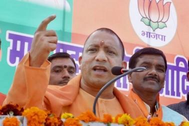 ہندوتوا کے ایجنڈے کی سیاست کرنے والے یوگی کے بارے میں گورکھپور میں ان کے حامی اکثر نعرہ لگاتے ہیں کہ 'گورکھپور میں رہنا ہے تو یوگی-یوگی کہنا ہو گا۔