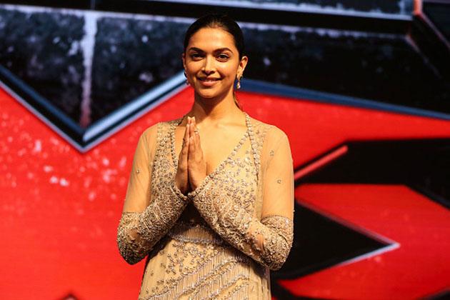 دیپکا پڈوکون : انوشکا کی طرح شاہ رخ کے ساتھ اپنے کیریئر کی شروعات کرنے والی اداکارہ دیپکا پڈوکون کو 'اوم شانتی اوم کی کامیابی نے راتوں رات اسٹار بنا دیا۔ لیکن کئی ہٹ فلمیں دینے اور میگاسٹار بن جانے کے بعد دیپکا کی زندگی میں ایک وقت ایسا بھی آیا ، جب وہ ڈپریشن کا شکار ہو گئیں۔