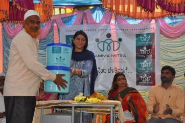 دیہی علاقوں میں کام کرنے کیلئے ڈاکٹر سمیہ کو کئی ایوارڈ سے بھی نوازاجاچکا ہے۔