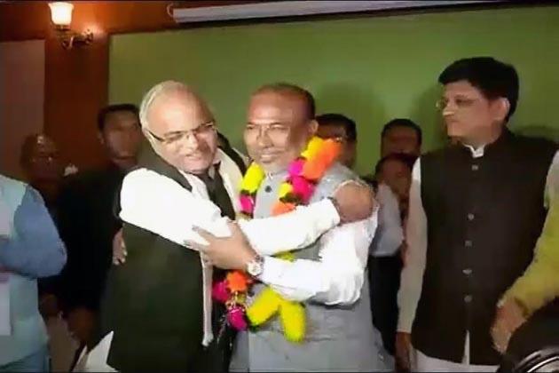 منی پور میں بی جے پی نے جیتا اعتماد کا ووٹ، 33 ممبران اسمبلی نے کی حمایت