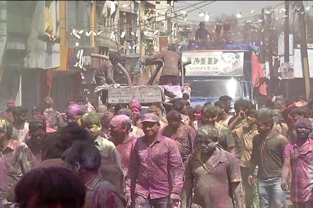 نوابی عہد کا خاتمہ ہوئے تو برسو ں ہوگئے ، لیکن بھوپال میں گنگا جمنی تہذیب کی علامت کے طور پر یہ روایت آج بھی موجود ہے۔
