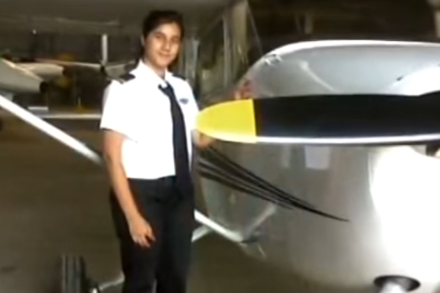 محض 16 سال کی عمر میں ملک کی سب سے کم عمر پائلٹ بننے والی عائشہ عزیز کو اب جلدہی کمرشیل پائلٹ کا لائسنس ملنے والا ہے اور جلد ہی وہ مسافر طیاروں کو اڑاپائیں گي۔عائشہ کو 2011 میں اسٹوڈنٹ پائلٹ کا لائسنس ملا تھا۔