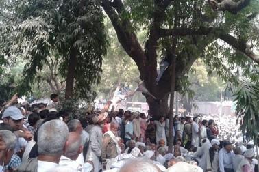 انہوں نے بتایا کہ 20 مارچ کے بعد ہریانہ میں احتجاج خواتین سنبھالیں گی جبکہ مرد دہلی میں رہیں گے اور اس کے چاروں طرف ہائی وے جام کریں گے۔