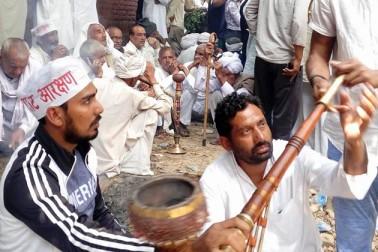 وہ دہلی آنے جانے والے راستے کو بلاک کریں گے۔ تاکہ دہلی سے باہر جہاں کوئی روکے گا ، وہیں سڑک پر جاٹ بیٹھ جائیں گے۔