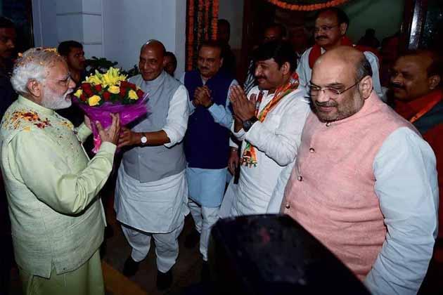 اترپردیش : وزیر اعلی کی دوڑ میں راج ناتھ سنگھ سب سے آگے ، پسماندہ اور دلت طبقہ سے بنائے جا سکتے ہیں دو نائب وزیر اعلی