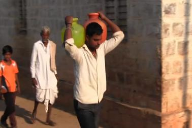 اکیسویں صدی میں بھی یہاں لوگوں کو ایک گھڑا پانی کیلئے طے کرنا پڑتا ہے میلوں کا سفر