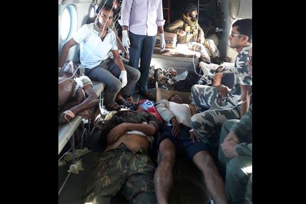 بستر ڈویژن کے پولس ڈپٹی انسپکٹر جنرل (ڈی آئی جی) پی سندرراج اور سکما کے پولس سپرنٹنڈنٹ (ایس پی) ابھیشیک مینا نے بتایا کہ مڈبھیڑ میں سی آر پی ایف کے 74 ویں بٹالین کے 26 جوان شہید ہوئے ہیں، ساتھ ہی چھ جوان شدید طور پر زخمی ہو گئے ہیں۔ زخمی جوانوں کو ہیلی کاپٹر سے رائے پور ر یفر کیا گیا ہے۔