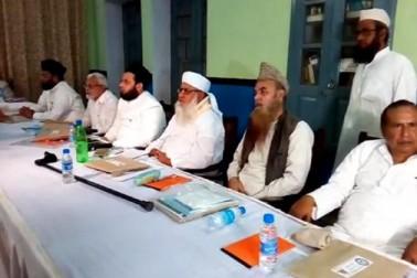 فوری طور پر تین طلاق کے معاملہ میں آل انڈیا مسلم پرسنل لاء بورڈ کی اتوار کی میٹنگ میں فیصلہ لیا جاچکا ہے۔