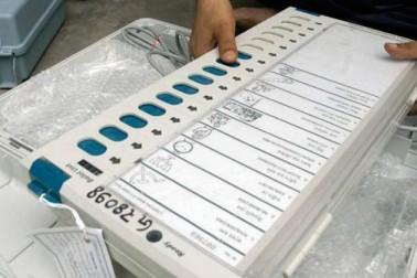 آر ٹی آئی میں ای وی ایم سے چھیڑ چھاڑ کا انکشاف ، آزاد امیدوار کا بٹن دبانے پر بی جے پی کو جا رہا تھا ووٹ