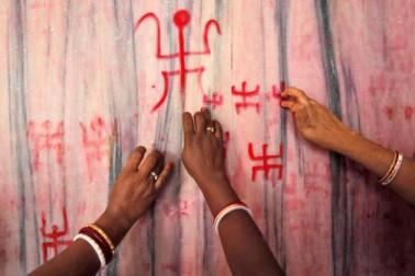 پاکستان میں مندر میں توڑ پھوڑ، توہین مذہب اور دہشت گردی کا معاملہ درج