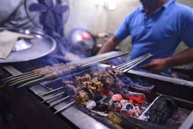 نوابوں کا شہر لکھنؤ اب ہوا ویجیٹیرین ، بکرے کی گوشت کی سبھی دوکانیں بھی ہوئیں غیر قانونی