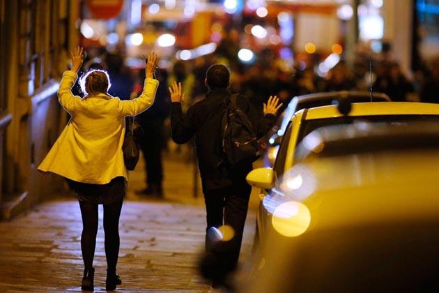 پیرس میں پھر حملہ، ایک پولیس اہلکار ہلاک، داعش نے لی حملہ کی ذمہ داری
