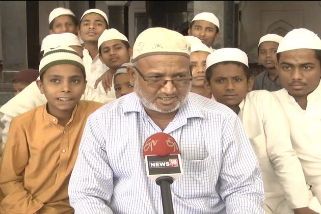 کیمپ میں تجوید قرآن کے ساتھ ساتھ دیگر متعدد اسلامی تعلیمات بھی دی جا رہی ہیں۔