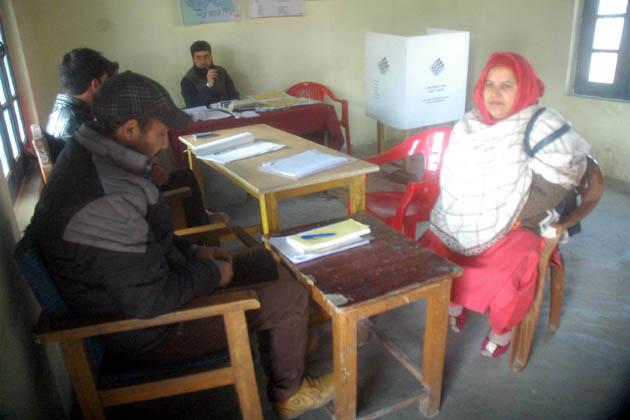 مہلوک نوجوانوں کی شناخت 15 سالہ فیضان احمد اور 20 سالہ محمد عباس کے بطور کی گئی ہے۔